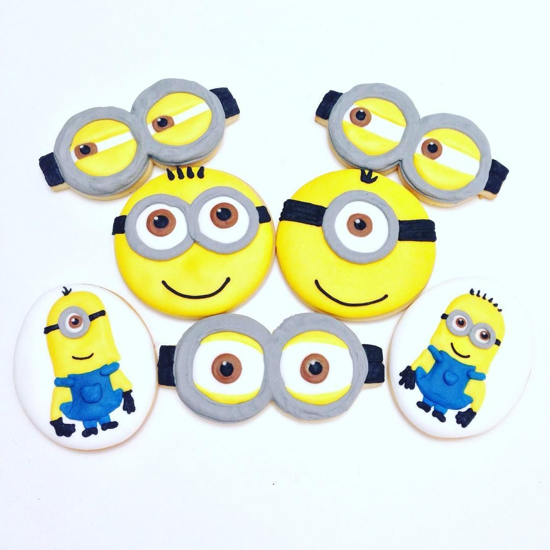 Petete para tu! 💛💙💛💙💛 #cookies #decoratedcookies #customcookies #decoratedcustomcookies #customdecoratedcookies #cookielove #cookieart #sugarcookies #lecheria #lechería #tadino #sugarart #foodart #foodie #edibleart #cookieart #dulcestadino #galletasdecoradas #bolachasdecoradas #handmade #l4l #sweet #homemade #igers #instagramers #cute #minions #minion