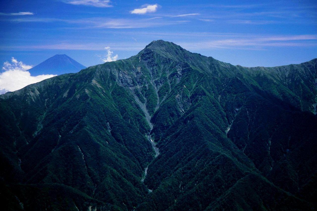 高い 番目 に 山 で 二 日本