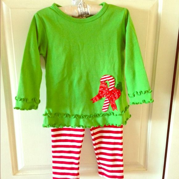 NEW Girls candy cane outfit NWOT girls green candy cane top and matching pants. Size 2T. Matching Sets