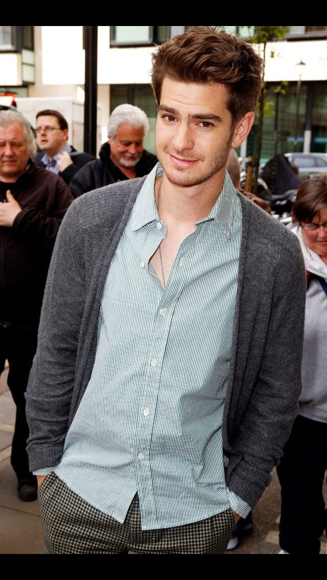 Andrew Garfield And His Big Brown Doe Eyes Andrew Garfield Garfield Man Crush Everyday