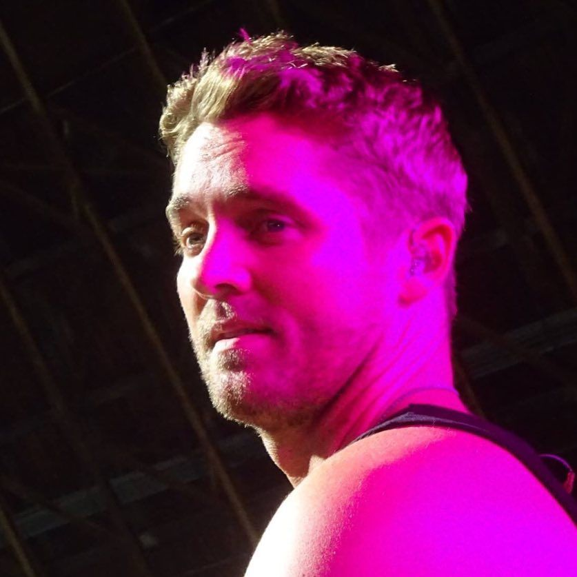 41 likes 2 comments here to support brett young