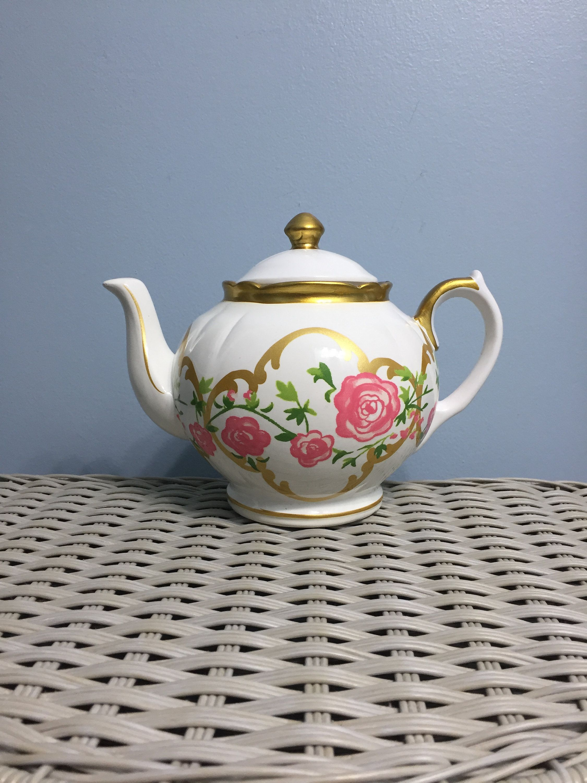 Alice Through The Looking Glass Davids Teapot Motif Cookie Jar By Shabbyandlovinit On Etsy