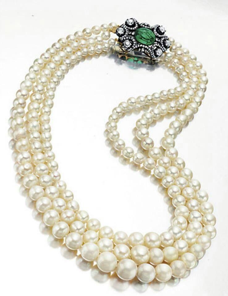6b6addc4f889 3-strand pearl necklace. 61
