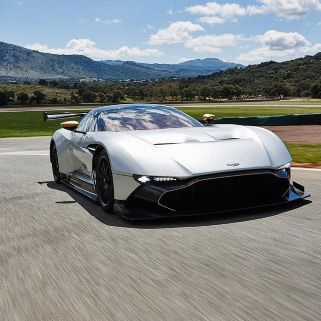 Head over to the Aston Martin Facebook account to watch the Castrol EDGE #CloneRival trailer – featuring the Aston Martin Vulcan fb.com/astonmartin  #castrol #astonmartin #vulcan #luxury #sports #cars