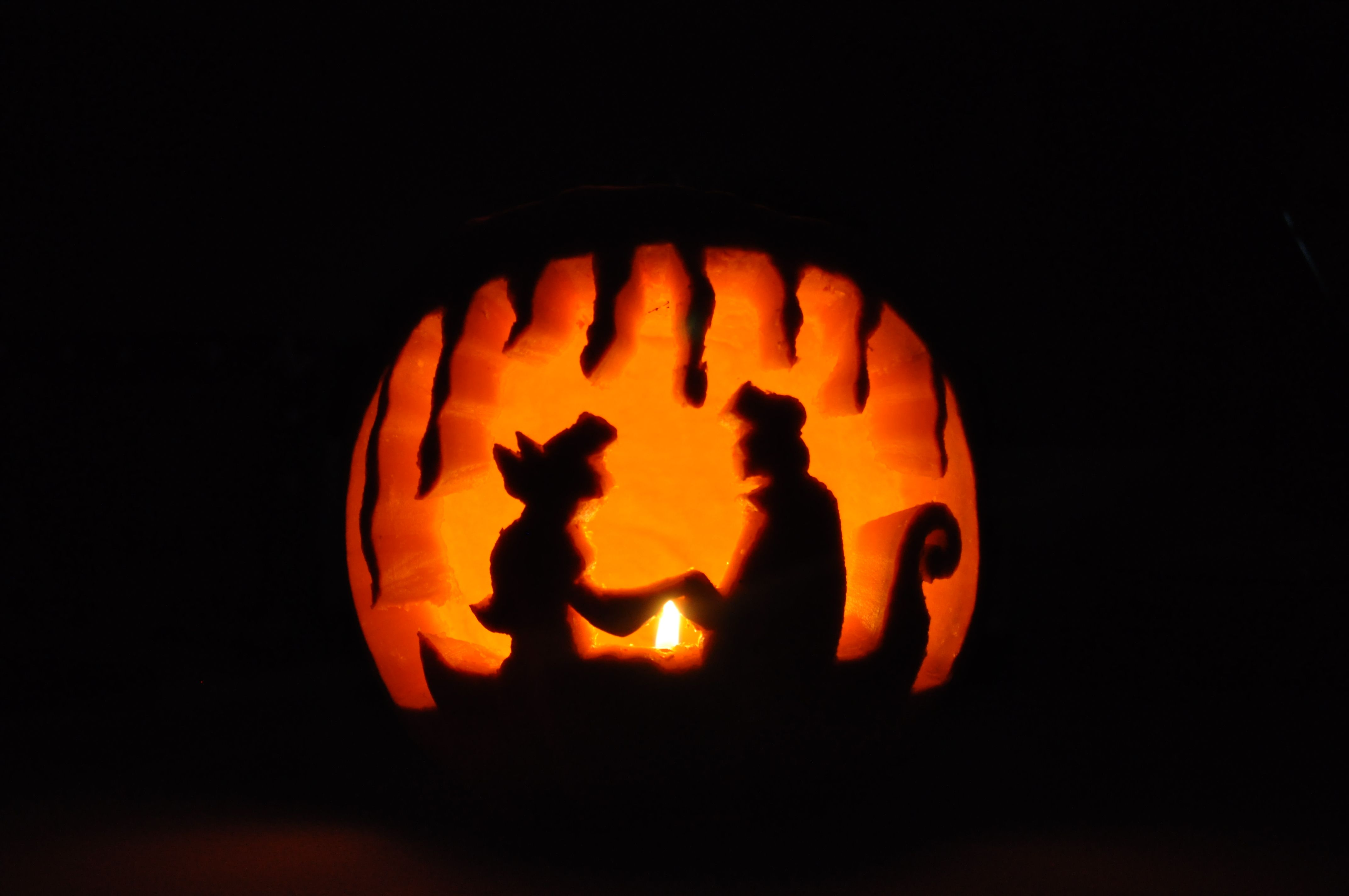Kiss the girl disney ariel prince eric the little mermaid for Pumpkin carving silhouettes