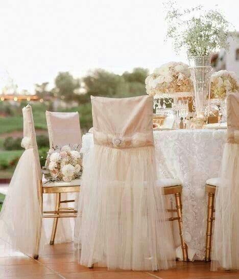 C mo decorar las sillas para la recepci n de for Sillas para novios