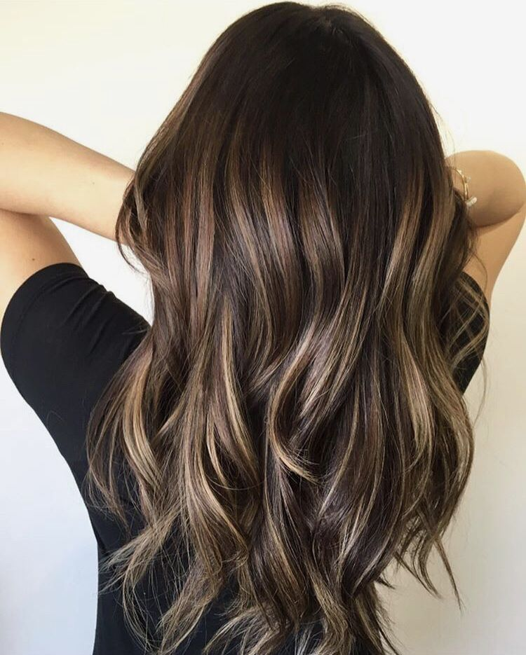 Hair Hairstyles Styles Trendy Pretty Brunette Wavyhair Hair Styles Hair Color Balayage Balayage Hair
