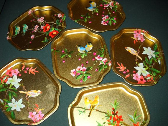 Small bird patterned trays