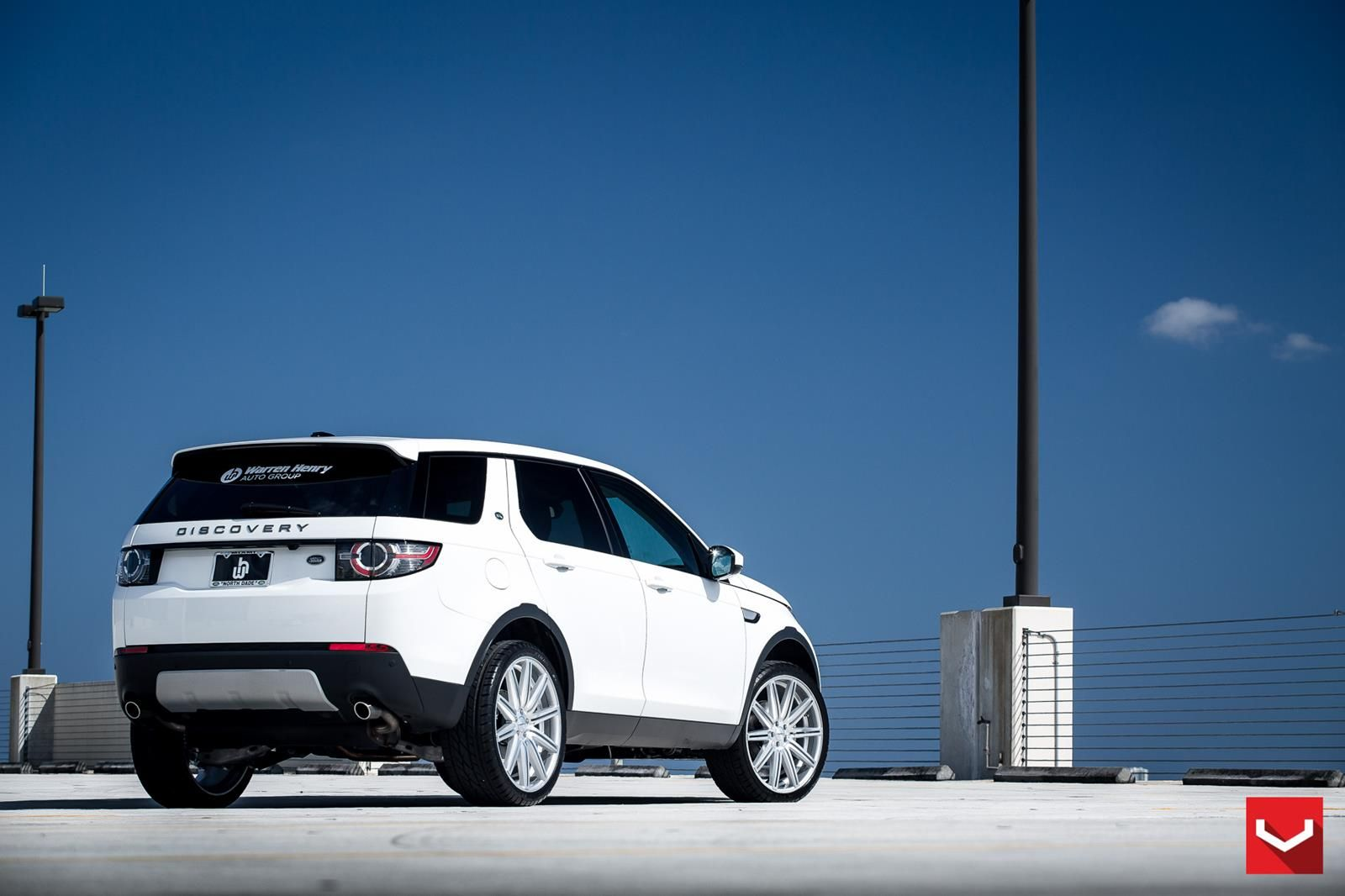 LR's ModernLooking Discovery Sport is Also Deceptively