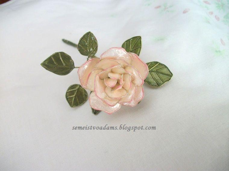Wire nail polish rose by semeistvoadams.blogspot.com