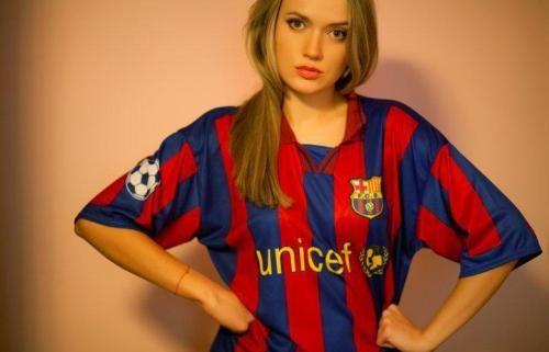 صور مشجعات برشلونه جميلات برشلونه صور بنات برشلونه احلى بنات البرشا صور برشلونة حبيبي برشلوني Fashion Football Girls New Fashion