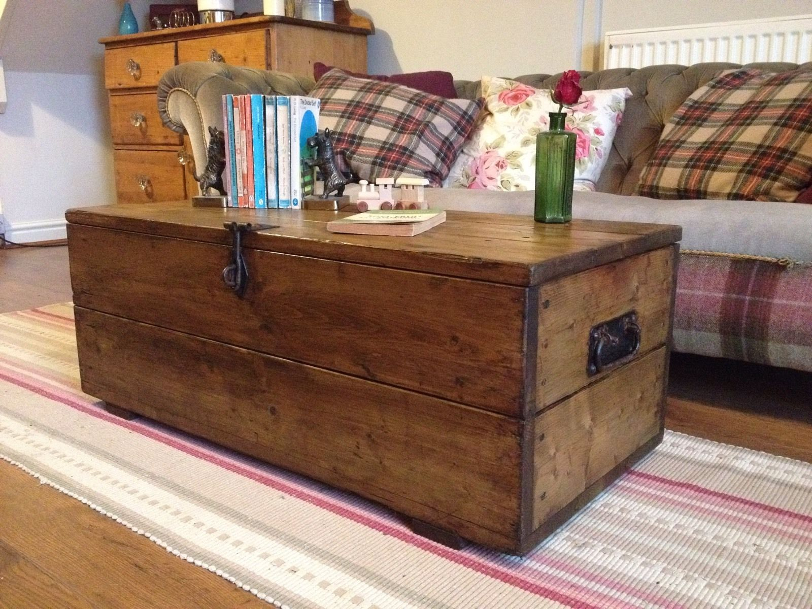 Old Rustic Pine Box Vintage Wooden Chest Coffee Table Toy