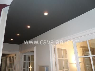 Concernant la couleur d 39 un plafond on s 39 attend for Plafond peint en couleur