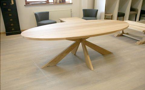 Ovale eiken eettafel edinburgh ze meubels dining