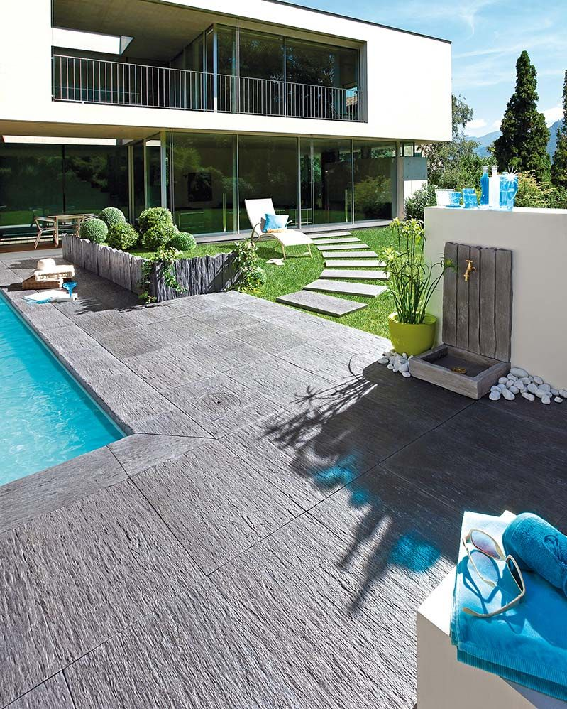 terrasse jeux min raux et aquatiques margelle de piscine dalle de terrasse et fontaine murale. Black Bedroom Furniture Sets. Home Design Ideas