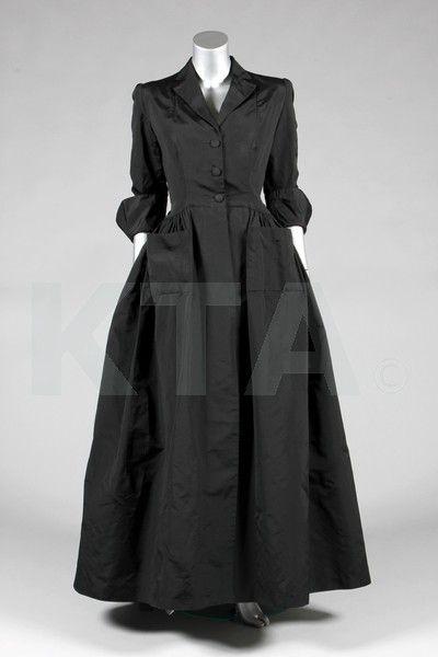 A Balenciaga couture black silk evening or deshabillé coat, late 1940s, Paris labelled