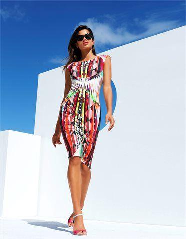 Ein Kleid mit Wow-Effekt! Der imposante Grafik-Print fängt die ganze Farbenpracht des Sommers ein...