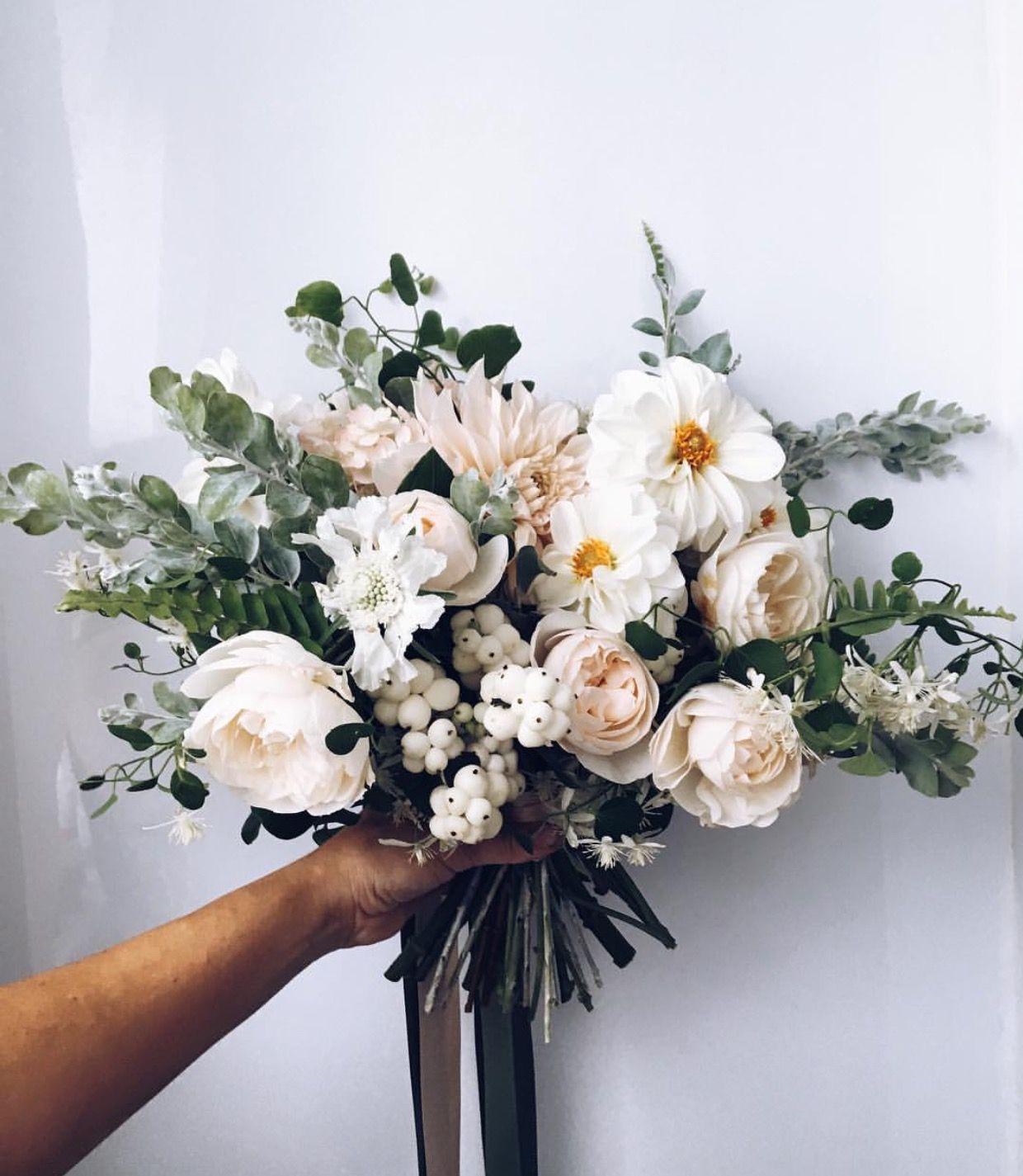 Pinterest Oliviastromberg In 2020 Flower Arrangements Floral Bouquets Wedding Flowers
