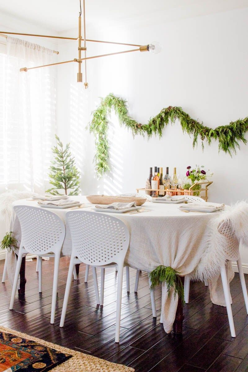 Winter Holiday Dining Room Makeover On A Budget Come See How I Decorated My With Some Simple Modern Home Accessories Like Wreaths