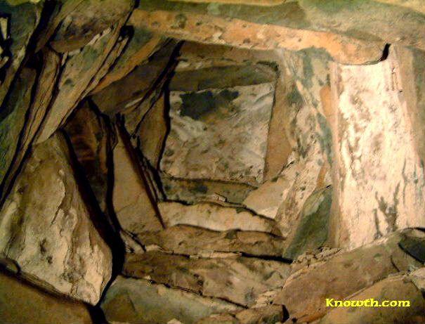 Corbelled Vault Newgrange Ireland 3 000bce Neolithicart Arthistory Stone Art Megalithic Monuments Art