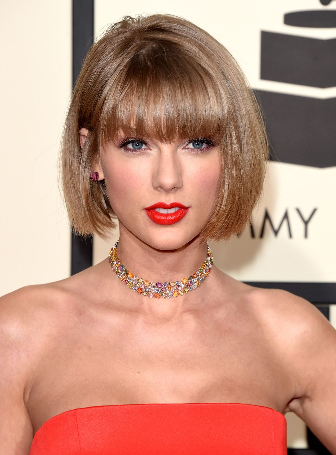 taylor swift just debuted a totally new haircut at the
