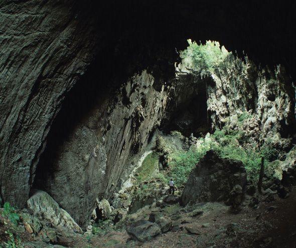 Apiaí, localizada no Vale da Ribeira, destaca-se no ecoturismo com suas inúmeras cachoeiras, trilhas e cavernas.