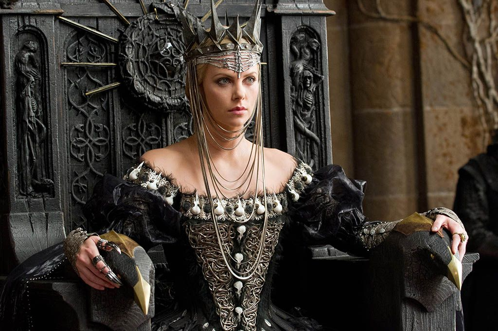 Ravenna (Charlize Theron) in Snow White and the Huntsman (2012)