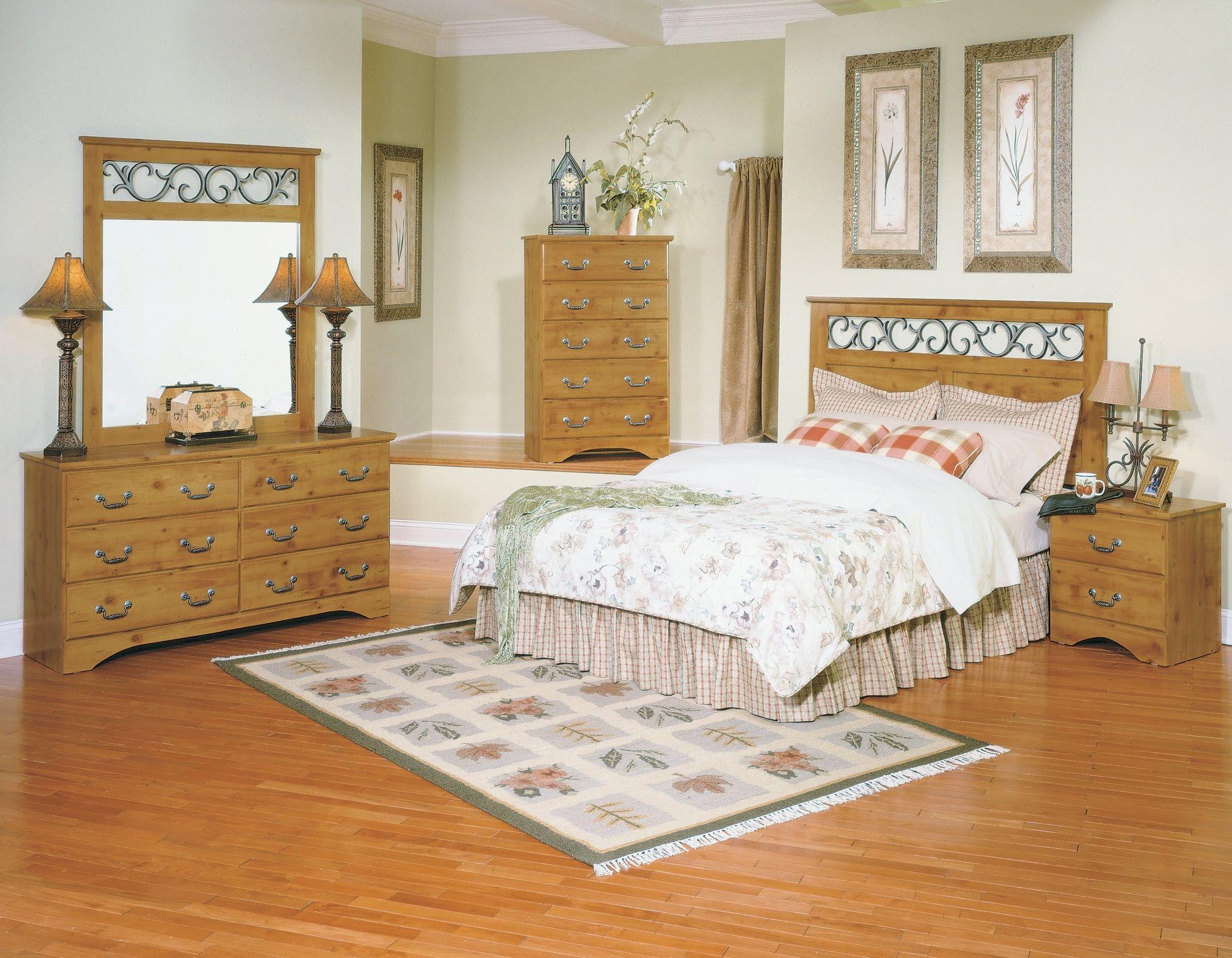 Honey Pine Bedroom Sets