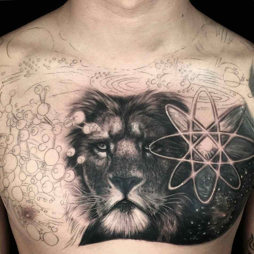 Tuyen Huu Tran Tatuaje Leon En El Pecho Tatuajes Tatuajes Leones