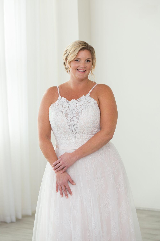 A Line Plus Size Wedding Dress Plus Size Wedding Dresses With Sleeves Curvy Wedding Dress Wedding Dresses [ 1500 x 1000 Pixel ]