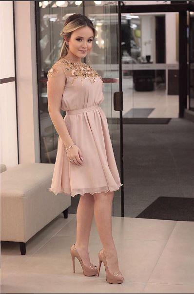 ef9d4d3e430d8 Larissa Manoela vestido festa da Fernanda Concon
