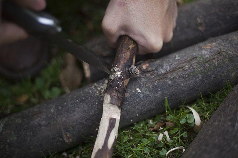 L.T. Wright Genesis Black Handled Bushcraft Knife Review