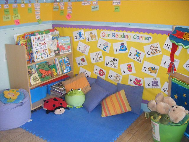 Classroom Literacy Ideas : Reading corner kindergarten and