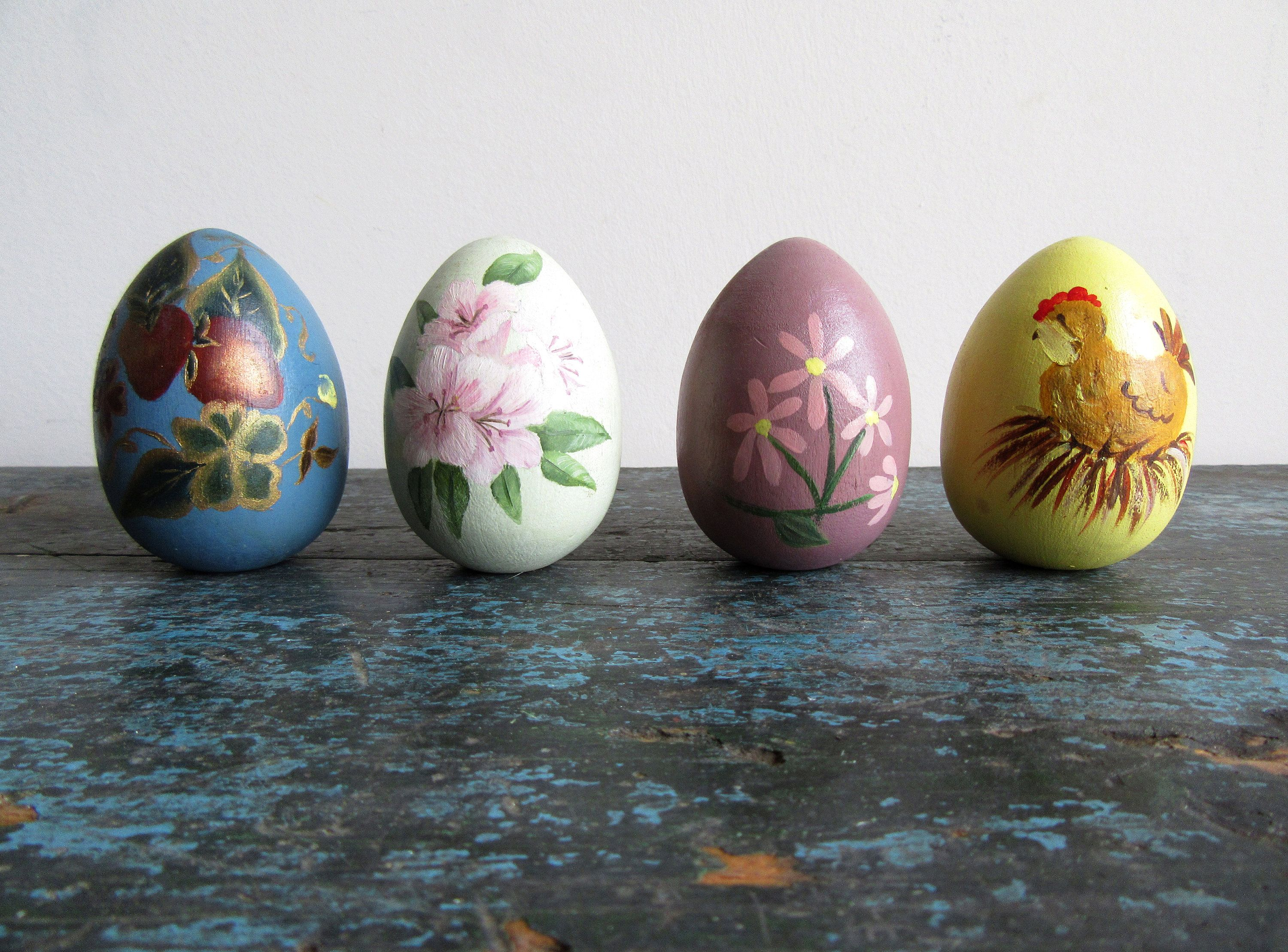 Vintage Hand Painted Wooden Easter Egg Set Painted Eggs Set