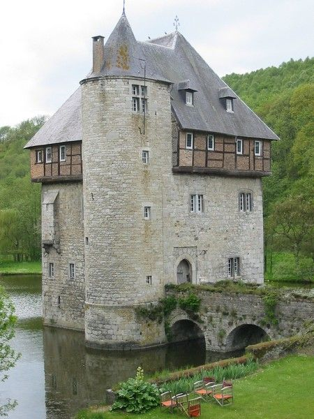 Carondelet Castle - Belgium. It dates back to the 11th or 12th century. In 1315, the seigniory was already very important and had the right to serve justice and depended on Liège. It is a squat keep with 3 floors built out of limestone and would originally have been equipped with battlements and a wall walk. It was transformed into a castle farm in the 16th century. Added; elements are the stair tower on its corner, an extra floor with a new roof & Renaissance style windows. Projecting…