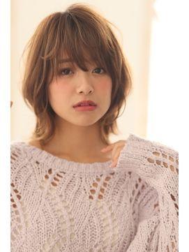 ミディアムウルフヘア お洒落な女性に人気のウルフカット髪型 Naver