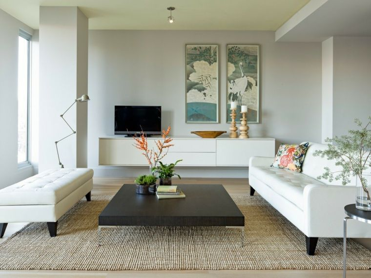 Mobili sospesi soggiorno di colore bianco laccato con decorazioni