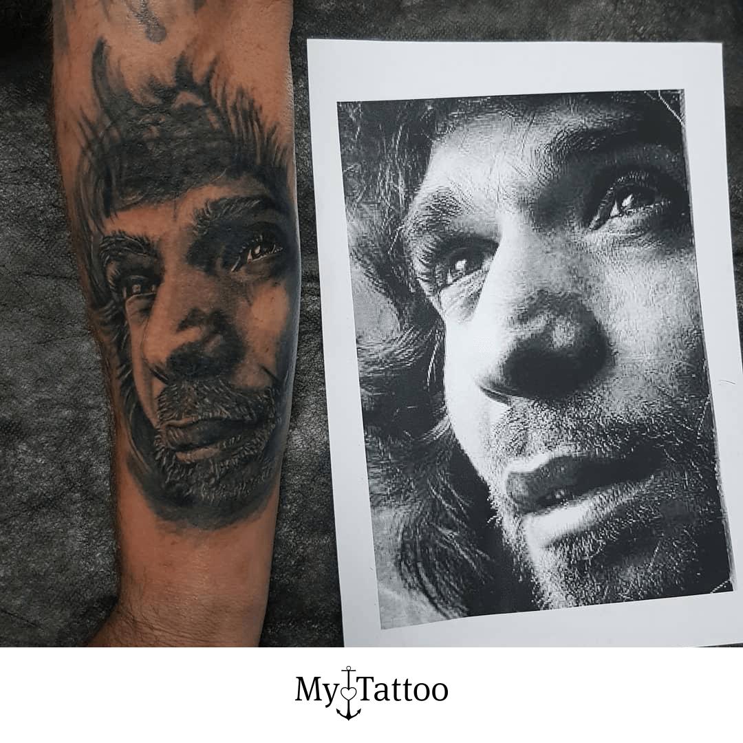 Tatuaje del Camaron   Reserva tu turno Artista 🎨: @mrtattooo • Inspírate @mytattoocom get inked. stay bright. • Créditos de fotografía 📷 [Publicidad/Advertising] • #mytattoocom #Tattoo #Tattoos #ink #tattooartist #skinart #bodyart #tattooart #tattooideas #tattooinspiration #tattoooftheday • #camarondelaisla #camaron #realismtattoo #realismotattoo #realismtattoos