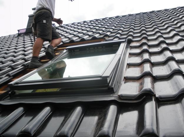 Velux Dachfenster Einbau Dach Fensterinstallation Ist Sehr Einfach Gunstige Preise Neueste Design Ist Sehr Komfortabel Mehr Dachfenster Rollo Dachfenster Rollo