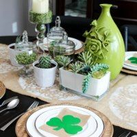 An elegant tablescape for St. Patrick's Day. Simple, understated, and beautiful
