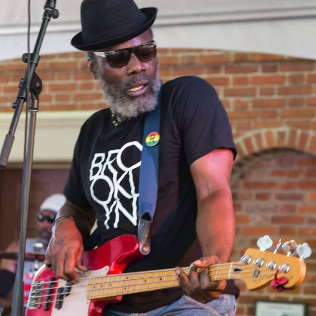 Happy Earth Strong to de Rootsman!!!  Photo Credit: Kim Ayubu Bey Happy Earth Strong to de Rootsman!!!  Photo Credit: Kim Ayubu Bey