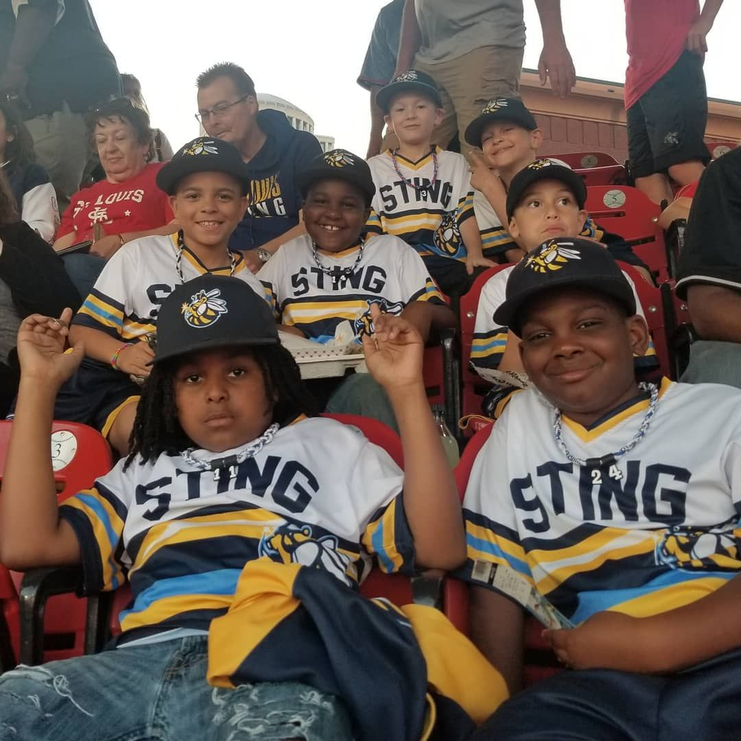 Sting Family Out Enjoying A Cardinals Baseball Game 2019stlsting Selectbaseball Sting Family Train Develope Baseball In 2020 Family Outing Family Train Homerun