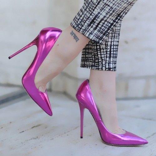 Jimmy Choo inyecta color a nuestro outfit con estos ...