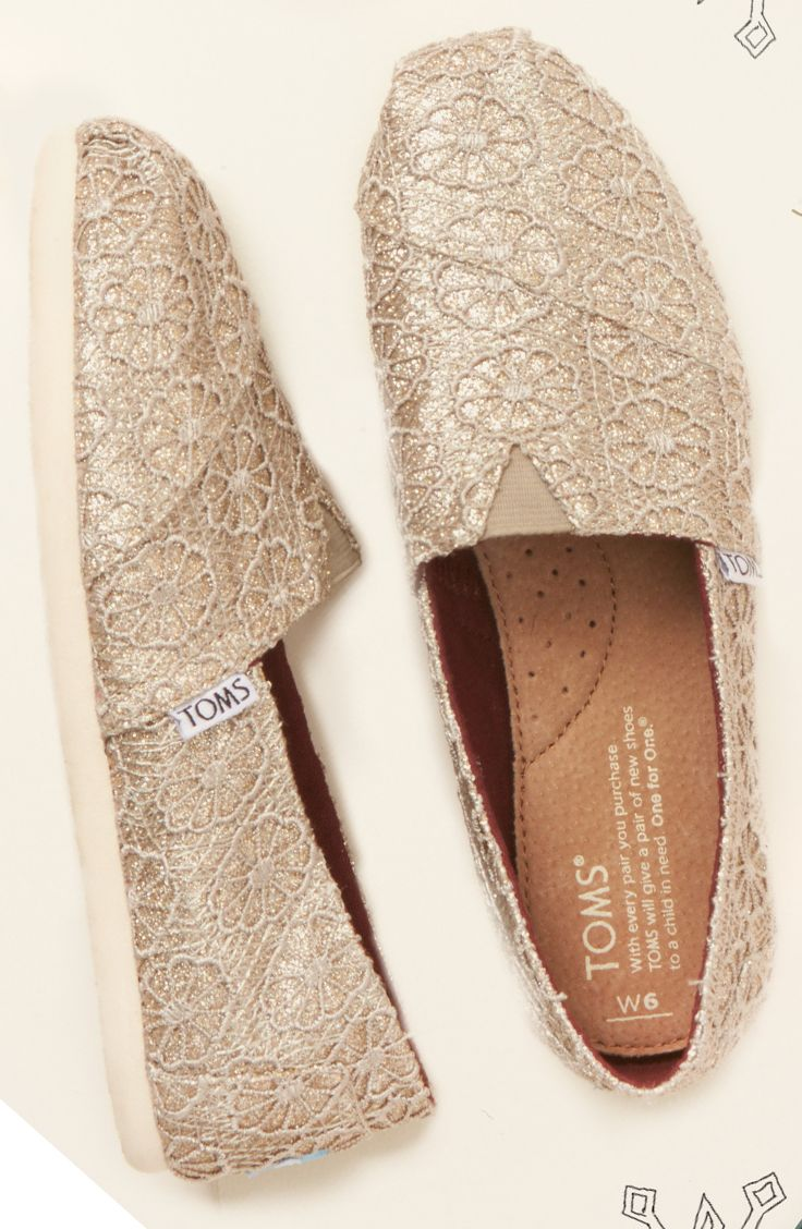 b3ce62f51d5 Kick off the holiday season with a little sparkle and a discount ...