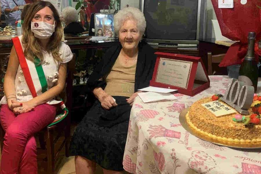 Scicli, i 100 anni di Concetta Calabrese: Scicli - La signora Concetta Calabrese ha compiuto ieri 100 anni. La donna… #news #notizie