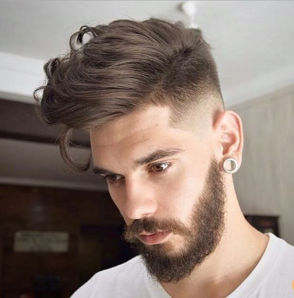 Hairstyles For Men With Big Foreheads Magnificent 50 Μοντέρνα Ανδρικά Κουρέματα  High Fade And Hair Style