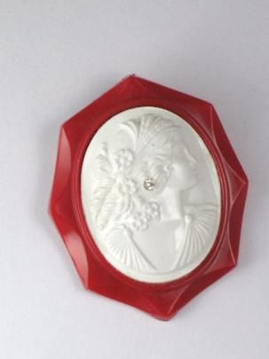 Vintage 1940s Red Celluloid Cameo Brooch
