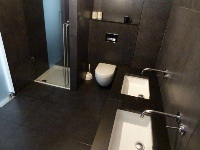 badkamer zwarte voegen lopen door van vloer naar wand - ICTdesign ...