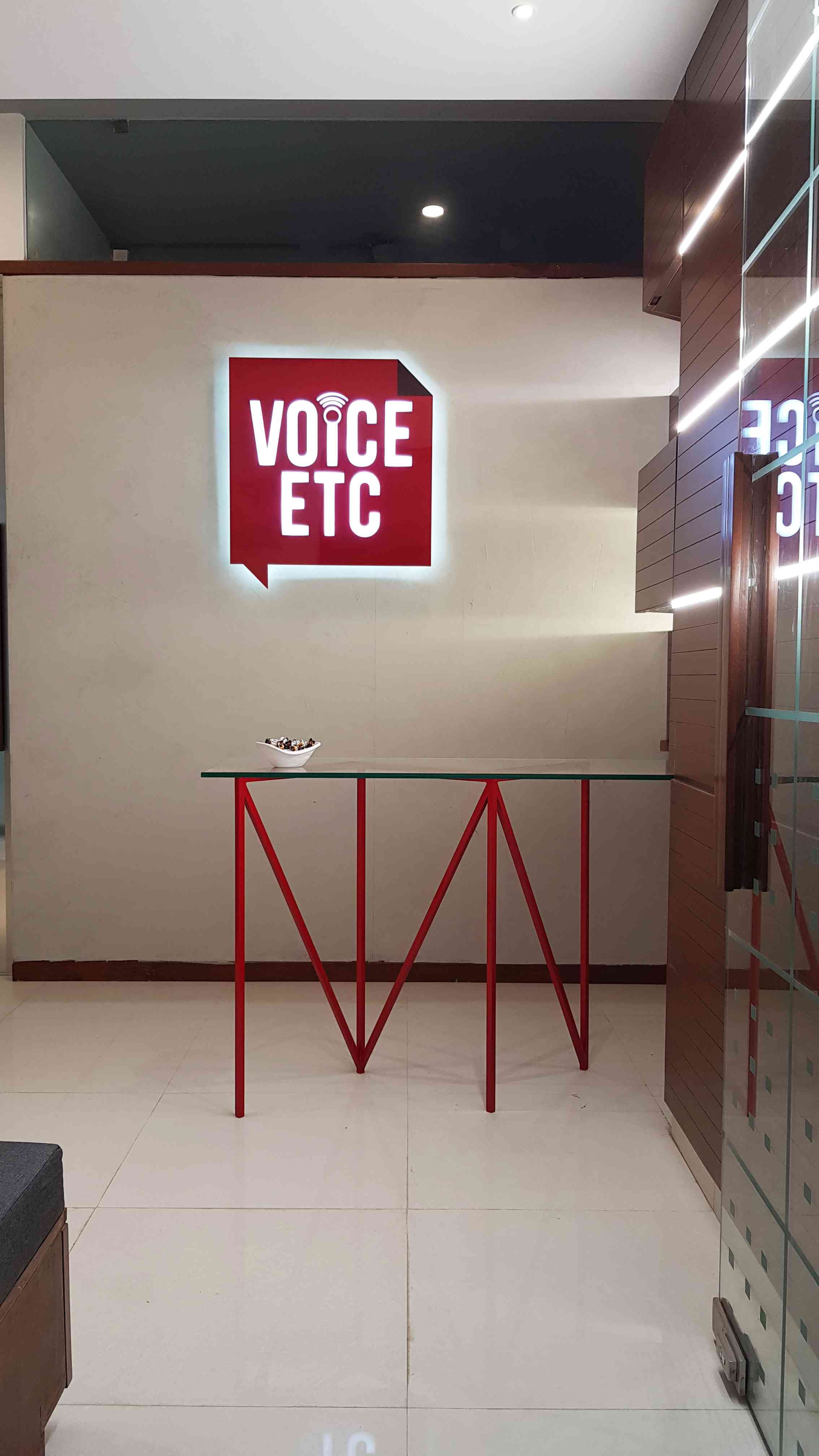 Telecommunication Room Design: VOICE ETC OFFICE INTERIOR By AW Architects At Work