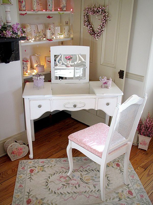 Victorian Vanities With Royal Style Shabby chic dresser